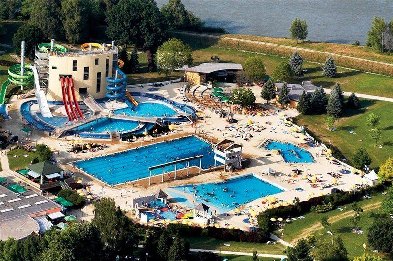 slovinsko-ptuj-terme-ptuj-leto-termalni-vodni-park