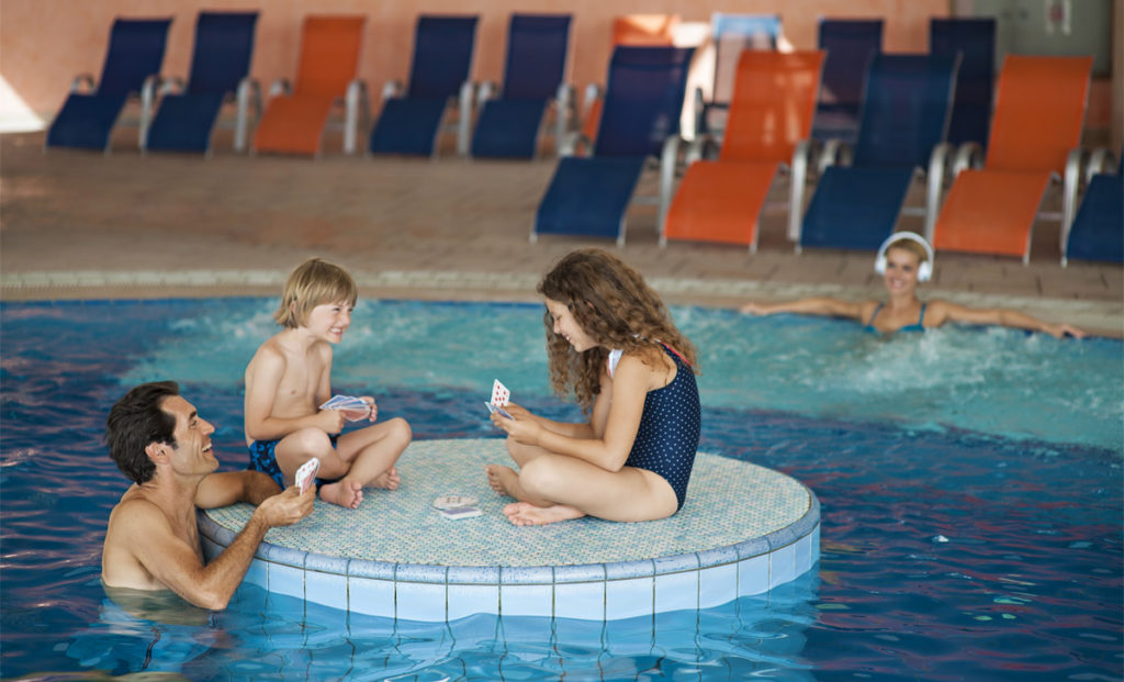 GHP_indoorpool_vespasianus_family_TP
