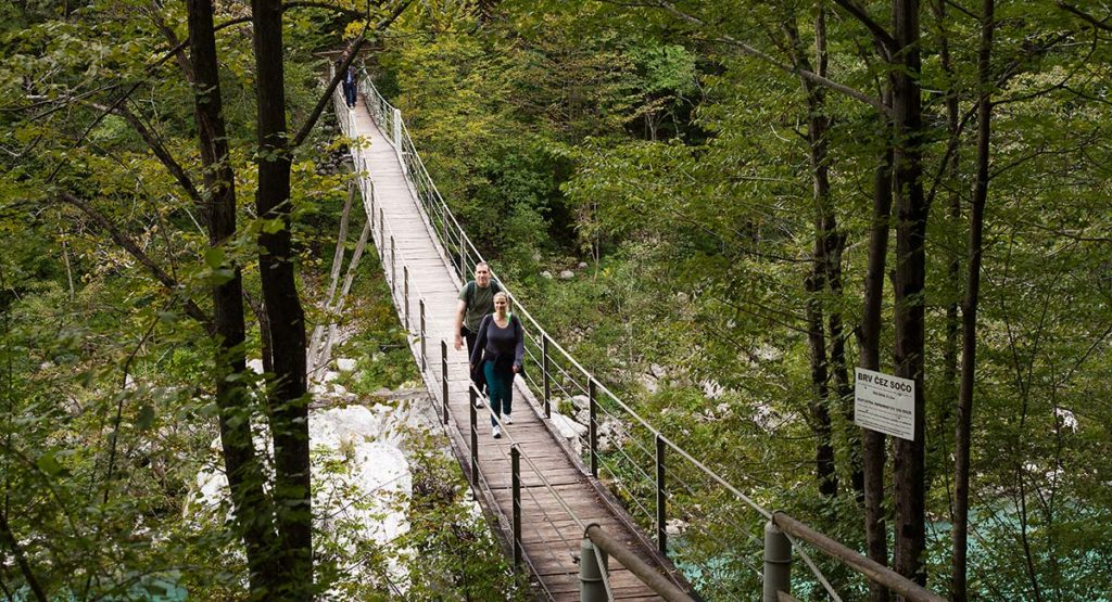 hiking-kobarid-soca-bridge