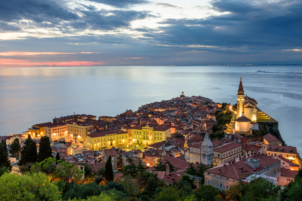 shutterstock_613339499 Panoramic view of Adriatic sea and city of Piran in Istria, Slovenia. Piran is one of Slovenia's major tourist attractions
