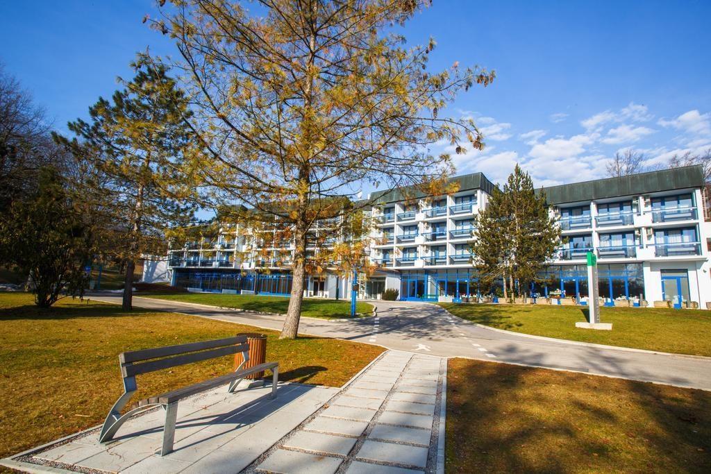 21-8978-Slovinsko-Otočec-Hotel-Šport