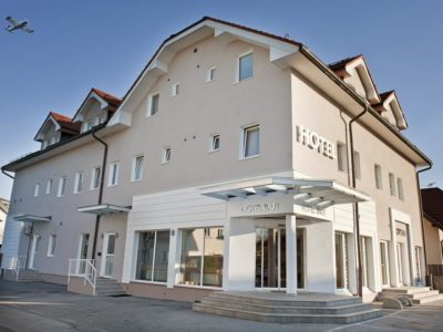 Hotel Bajt***
