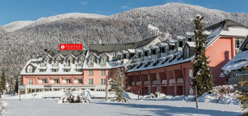 33-12493-Slovinsko-Kranjska-Gora-Ramada-Hotel-Suites-zimní-zájezd-se-skipasem-v-ceně-96789
