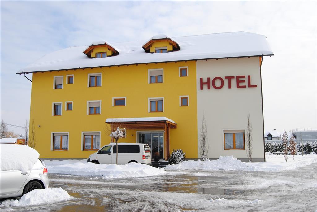 33-12515-Slovinsko-Mariborsko-Pohorje-Hotel-Bau-96969