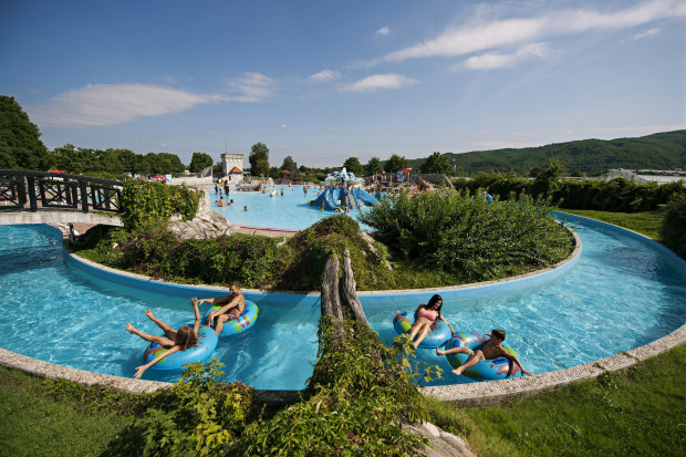 stb_343_catez_thermal_spa_spas_and_health_resorts_photo_dean_dubokovic_orig
